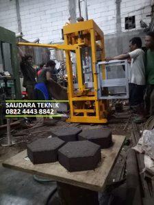 Mesin batako manual hidrolis